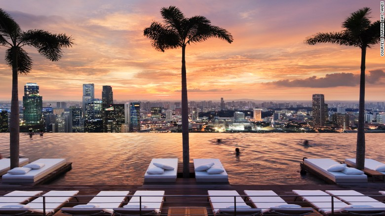 10 rooftop pools in big cities