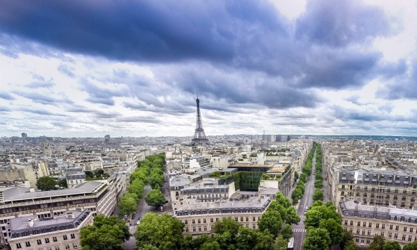 Paris is an obligatory destination if you are traveling through Europe - Tips for backpacking in Europe