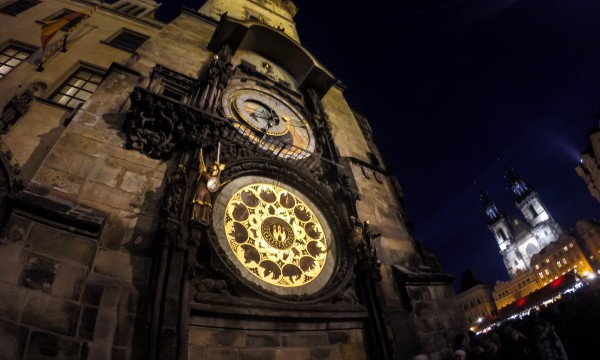 Tips for backpacking in Europe - View of the astronomical clock in Prague