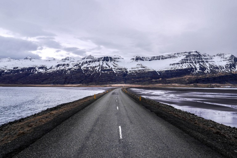long roads in iceland-ringroad-iceland