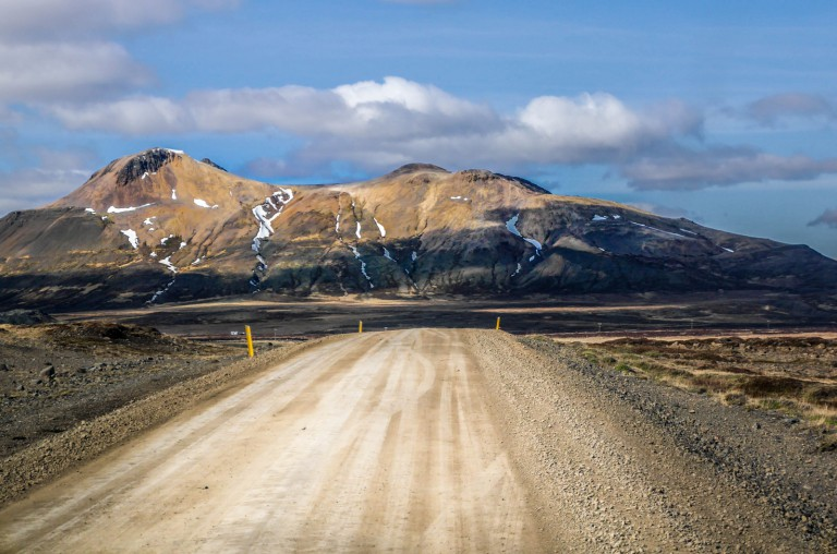 Gravel roads - Rent-car-iceland
