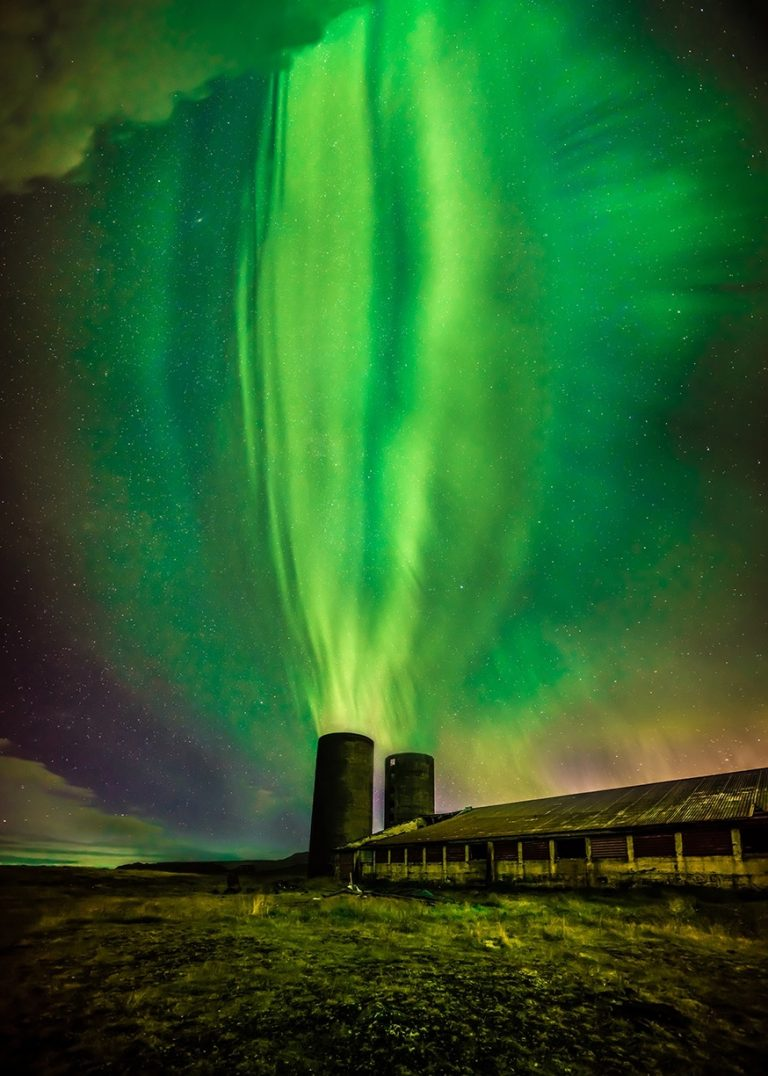 photographing Norðurljós Northern lights in Iceland during winter