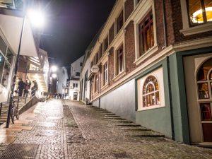 quiet steets in Stavanger at night - Stavanger street art