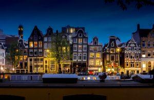 Interrailing tips Amsterdam night photography