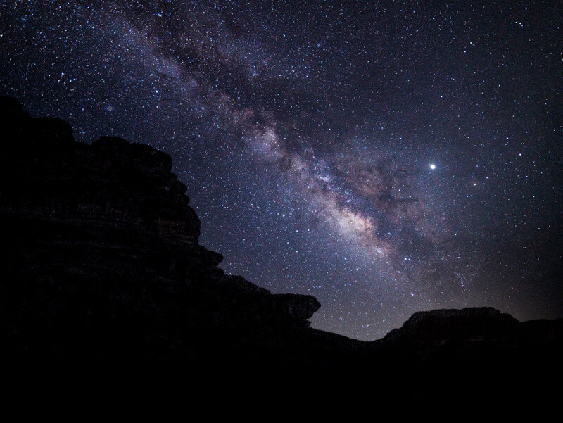 Seeing the milky way on a clear sky in Wadi Rum