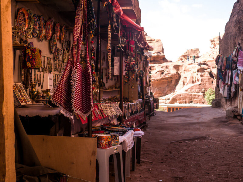 Souvenir shops from Bedouins at Petra's trek to the Monastery