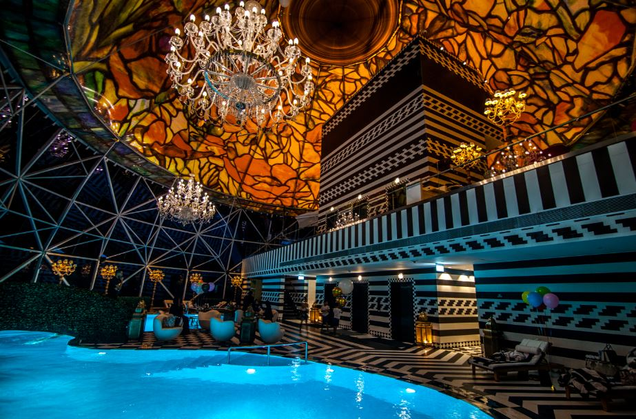 Swimming pool mondrian doha in Qatar