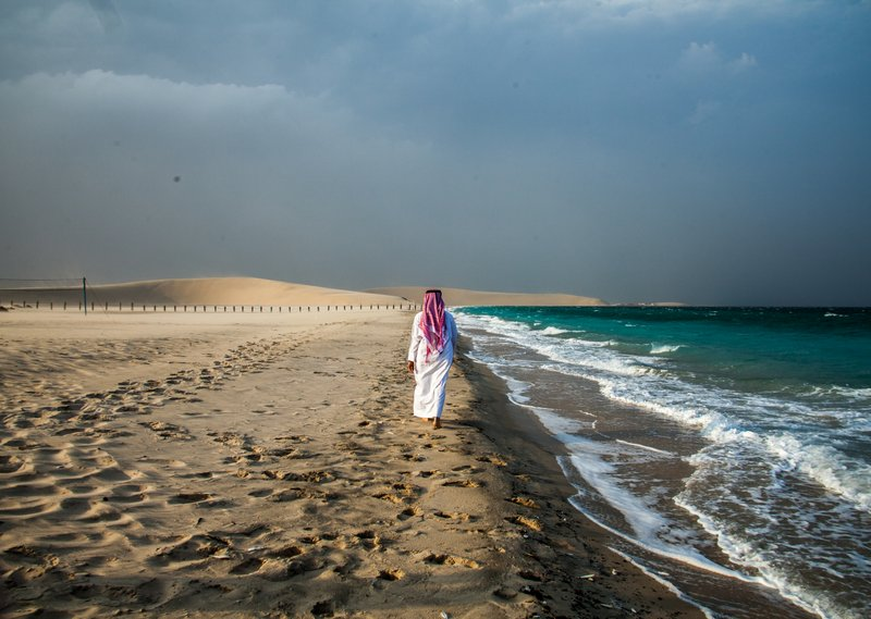 Tips to travel Qatar . Visit sand dunes