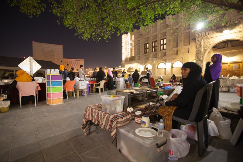 Visit Qatar what to do in Doha Vendors Souq Doha