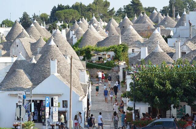Alberobello's main street-Puglia-Road-Trip