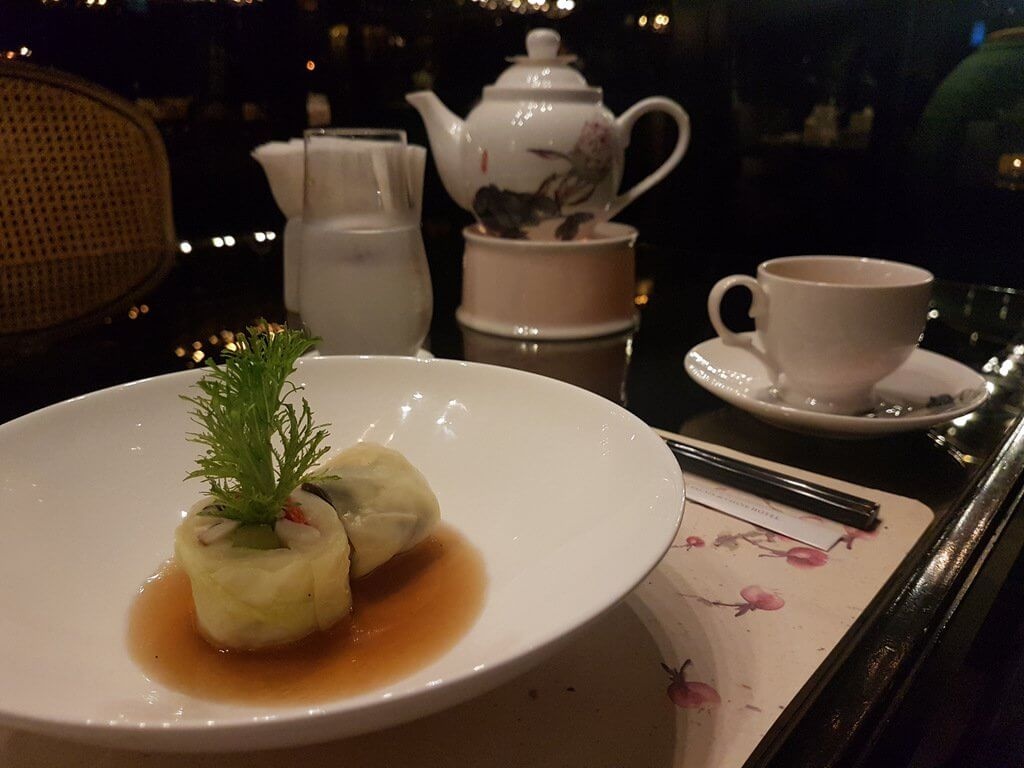 Le Palais 4th course Chinese Set Menu: Poached vegetables with oyster sauce - cheapest three michelin star restaurant