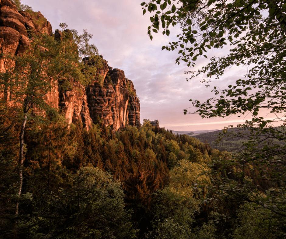 Sunrise lights at the Schrammsteine - Guide for Saxon Switzerland