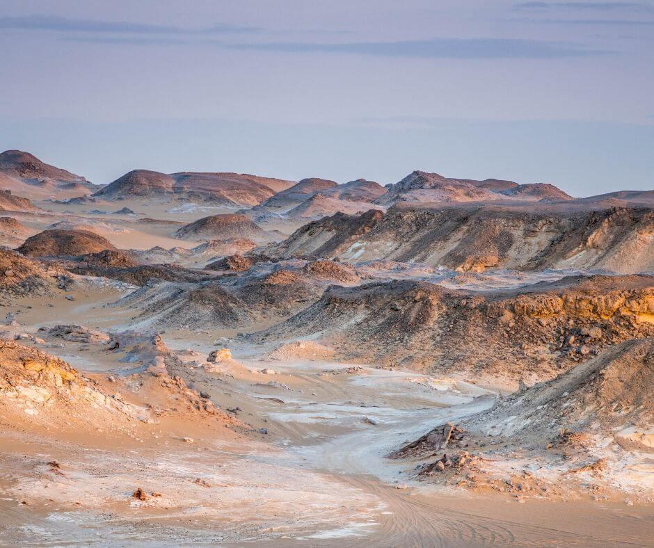 Agabat Valley- Black-and-White-Desert-in-Egypt