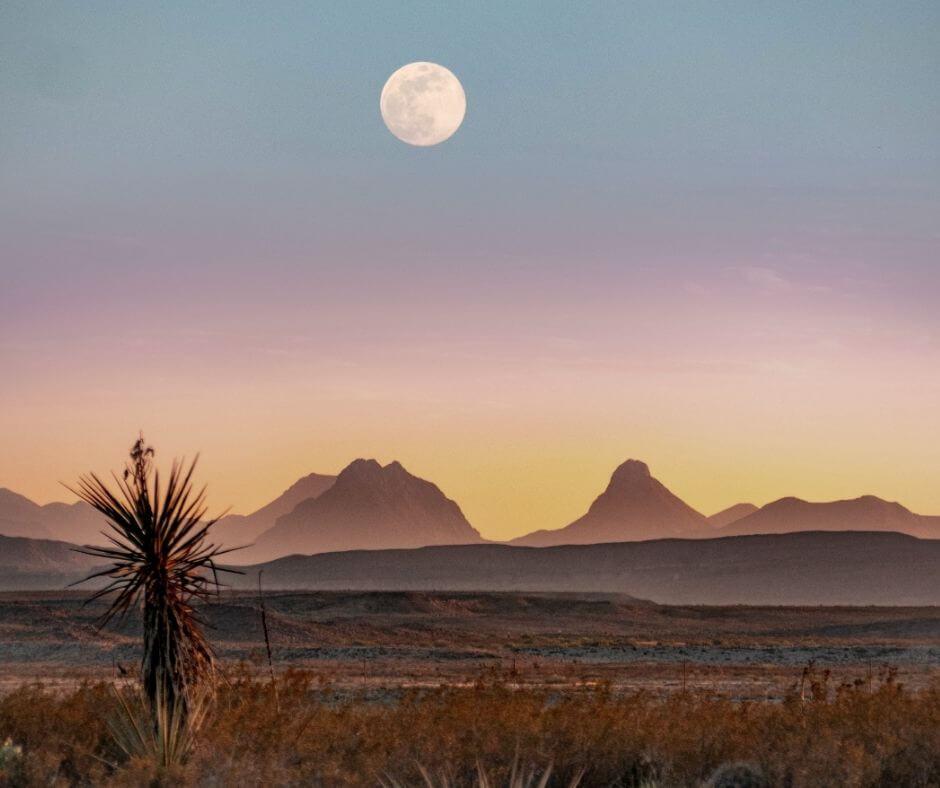 Full moon at Big Bend national Park