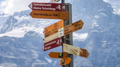 Types of Signs at the hiking routes in the Alps