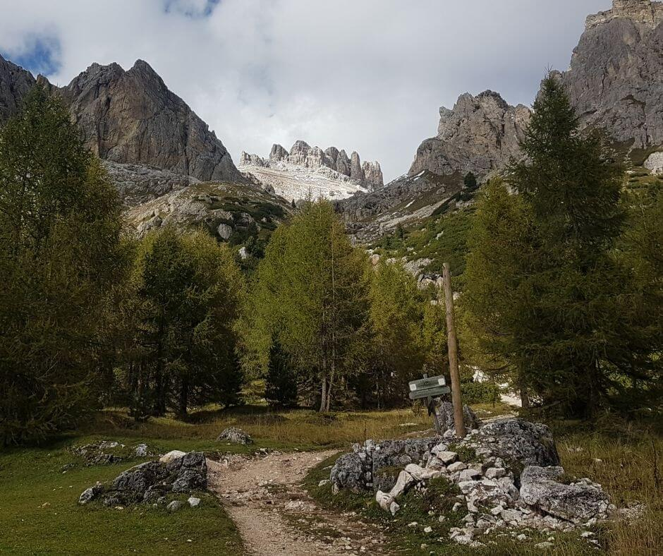 Hiking routes in the Italian Alps