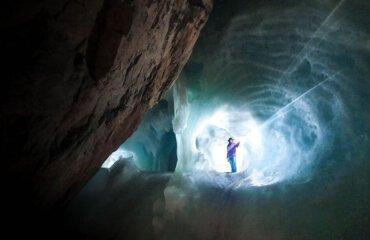 Visiting Eisriesenwelt and Dachstein - Ice cave austria