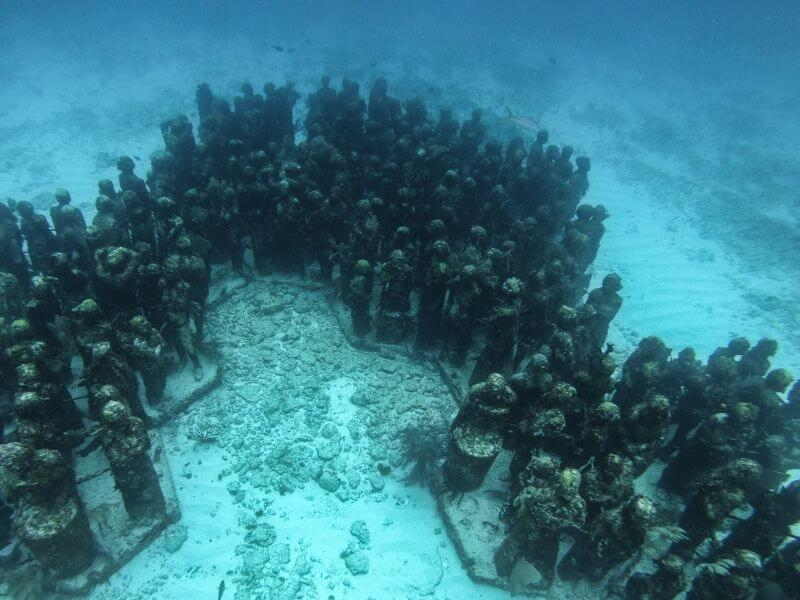 Human Statues MUSA underwater museum of art Mexico
